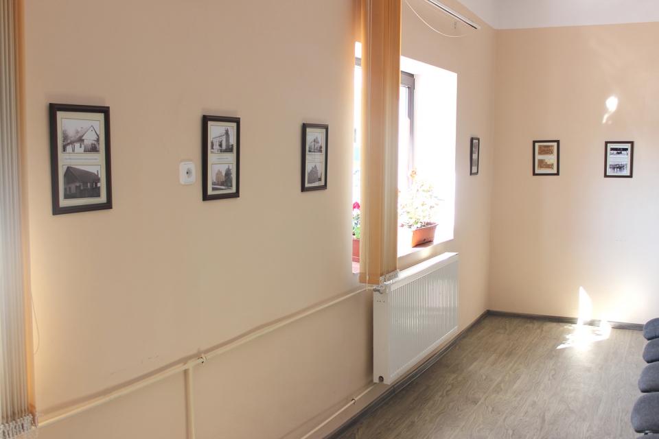 A Kornya Mihály munkájával kapcsolatos fotókiállítás